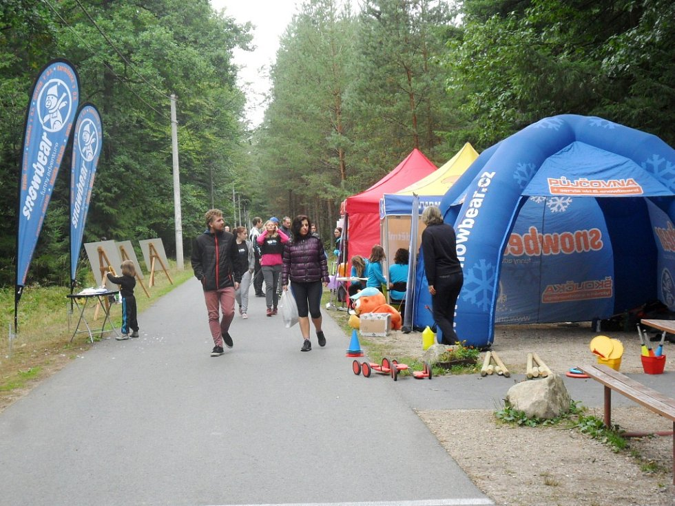 Mistrovství České republiky v Nordic runningu a Hradecký Špacír na Hradečnici v královéhradeckých městských lesích.