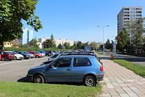 Poblíž polikliniky na Slezském Předměstí v Hradci Králové by se mohlo dosavadní parkoviště proměnit v parkovací dům.
