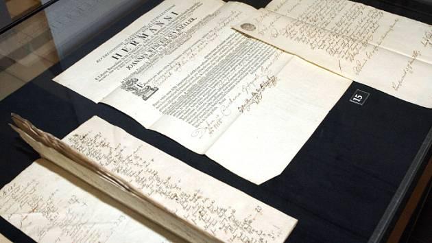 Nejstarší archivní dokumenty týkající se středověkého Hradce Králové a katedrály Svatého Ducha.