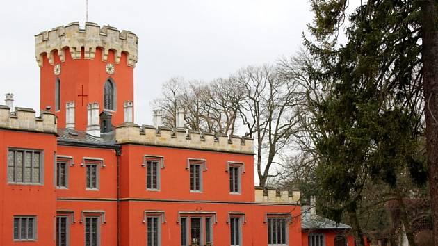 Zámek Hrádek u Nechanic.