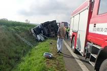 Havárie cisterny na trase Olešníce - Levín.