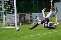 VÝHRA. Hradečtí fotbalisté porazili Písek 4:0.