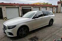 Kradený automobil Mercedes Benz.