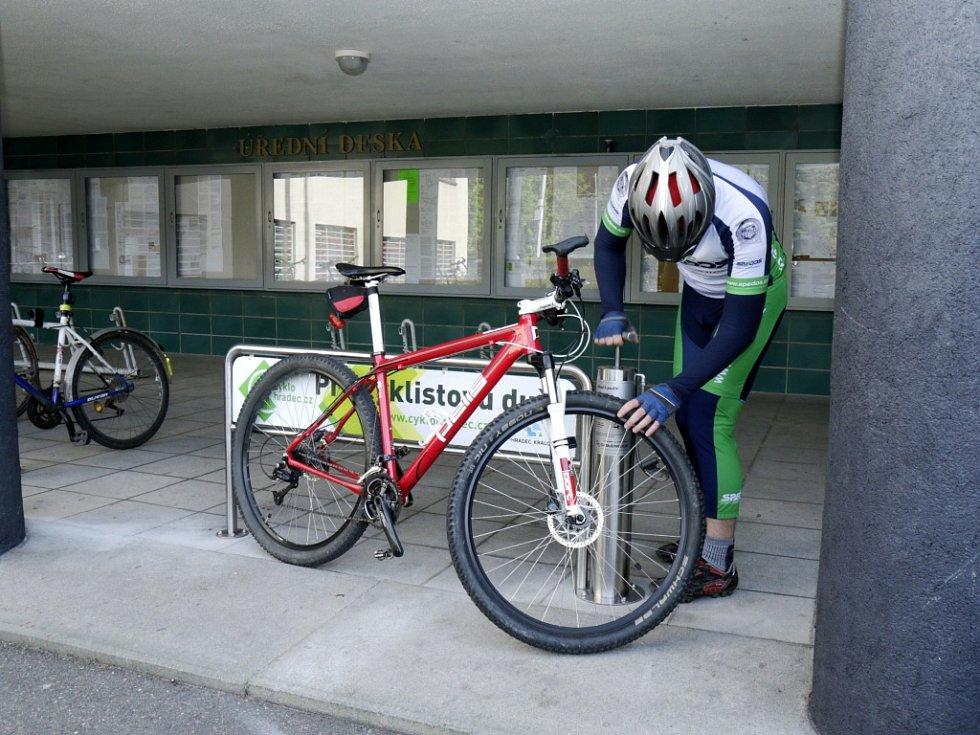 Městská cyklopumpa u královéhradeckého magistrátu.