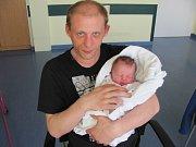 BARBORKA TŮMOVÁ se narodila 10. dubna ve 12.07 hodin. Po narození měřila 48 cm a vážila 3050 g. Svým příchodem na svět potěšila rodiče Patricii Tůmovou a Jana Gottwalda z Hradce Králové.