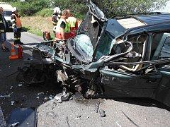 Vážná dopravní nehoda u obce Dub nedaleko Mžan na Královéhradecku.