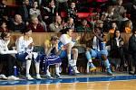 Basketbalistky USK Praha obhájily prvenství v Poháru České pošty, který od pátku do neděle hostil Hradec Králové. Tým kouče Lubora Blažka ve finálovém duelu Final Six porazil svého největšího soka Frisco Sika Brno po velkém boji 76:73.