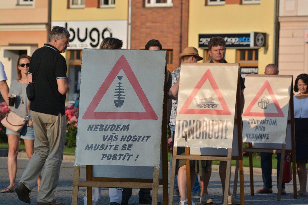 Masarykovo náměstí v Hradci Králové si připomnělo výročí invaze vojsk Varšavské smlouvy do Českos