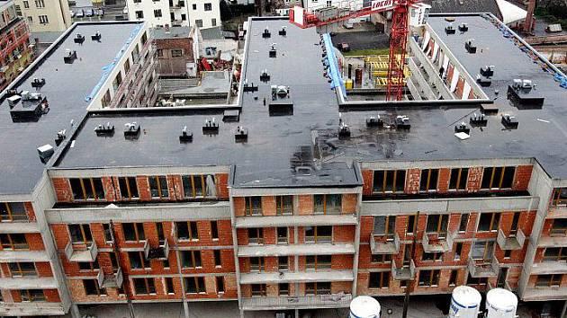 Dům s parkovacími plochami v Kollárově ulici
