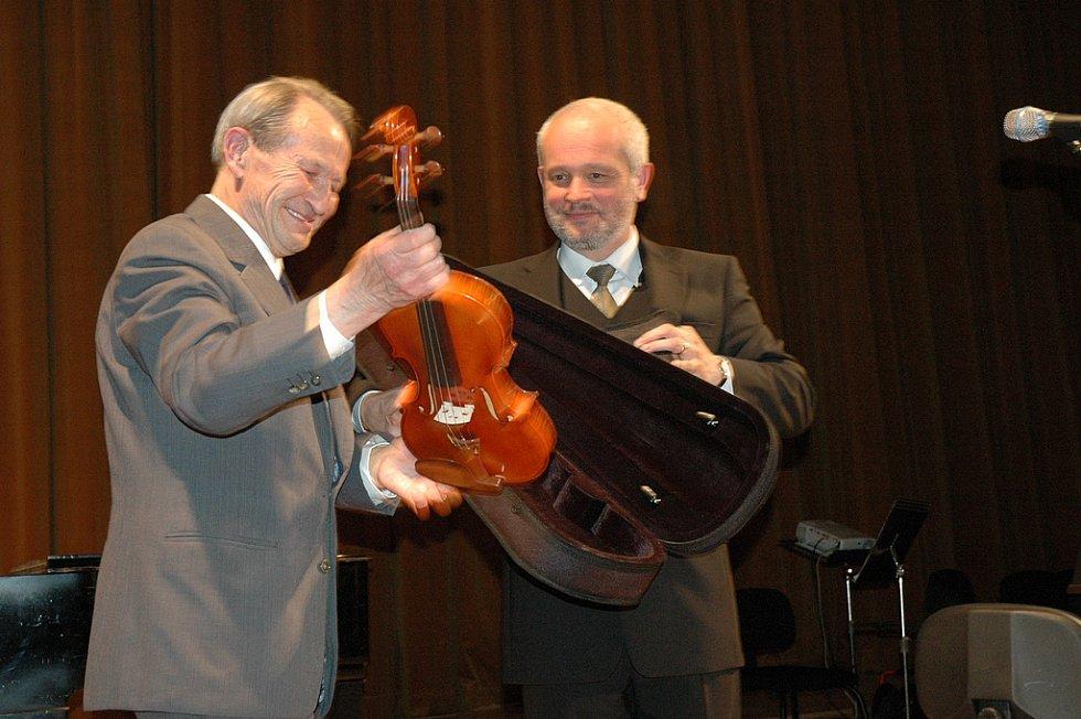 Mistr houslař Vladimír Pilař