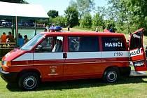 Renovované hasičské vozidlo SDH Mlékosrby Volkswagen Transporter T4.