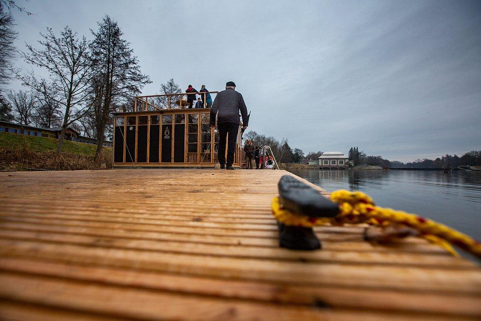 Otevření sauny na plovárně v Hradci Králové za přítomnosti finského velvyslance.