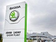 Výrobní závod Škoda Auto slaví zahájení sériové výroby. Z Kvasin se staly Qasiny.