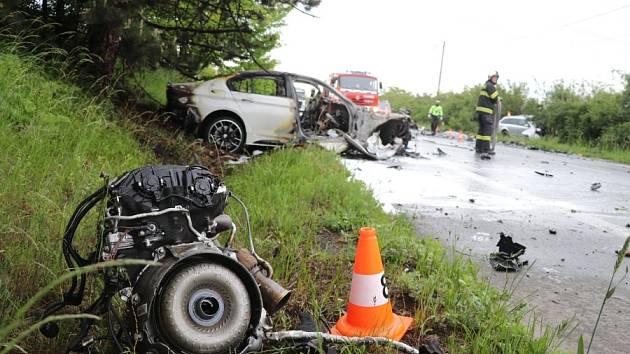 Tragická dopravní nehoda u Černožic si vyžádala tři oběti.