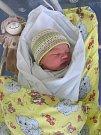 ELENA DLESKOVÁ  se narodila 10. října ve 12.29 hodin. Měřila 52 centimetrů a vážila 3910 gramů. Doma v Pláckách se z ní radují rodiče Eva Žáková a Petr Dlesk.