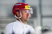 Jaroslav Bednář na tréninku královéhradeckých hokejistů.