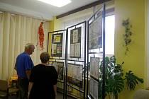 """Výstava """"Pohádkové postavy v akci"""" v královéhradeckém Centru sociálních služeb v Harmonii II na Moravském Předměstí."""
