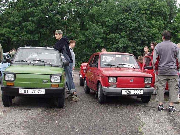 Setkání majitelů Fiatů 126P v HK