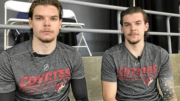 Kevin Klíma (vpravo) už si v Hradci vybudoval jméno a získal novou smlouvu. Přijde i jeho dvojče Kelly?