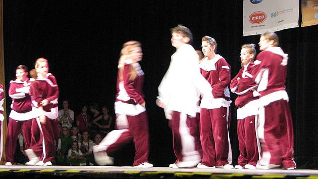 V hradeckém Aldisu se utkaly stovky tanečníků při regionálním kole mistrovství České republiky ve street dance a moderních dance formací.
