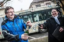 Křest autobusu MHD v barvách Knihovny města Hradec Králové.