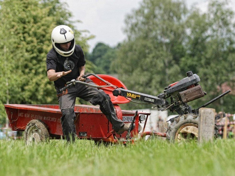Závody zahradní techniky aneb Terra Cup ve Výravě.