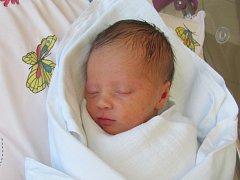 AGÁTA JANOVSKÁ poprvé otevřela oči 5. června v 1.52 hodin. Měřila 48 centimetrů, vážila 2890 gramů a potěšila maminku Moniku Kyllarovou a tatínka Pavla Janovského ze Studnice.