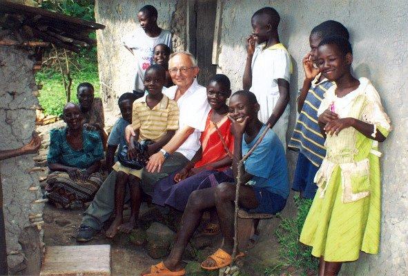 Královéhradecký lékař Josef Donát v Ugandě