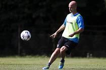 Matěj Kotiš na tréninku fotbalistů FC Hradec Králové.