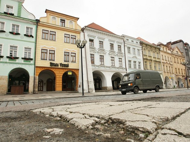 Velké náměstí vhistorickém centru Hradce Králové. Ilustrační fotografie.