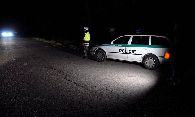 Muž, který zabil v pondělí odpoledne v Praze 25letou ženu, se pokusil o sebevraždu.
