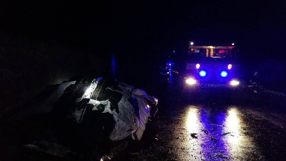 Rušná noc hasičů, zasahovali u 86 události.