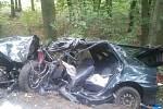 Tragická dopravní nehoda. Automobil narazil do stromu, řidič zahynul.