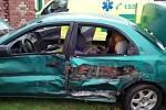 Dopravní nehoda dvou aut v Máslojedech.