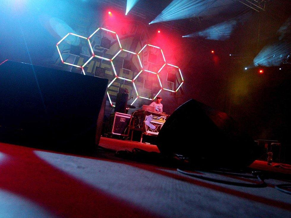 Hip Hop Kemp 2010 (čtvrtek 19. srpna): Woody Madera – Turntables In Technicolor AV Show /UK