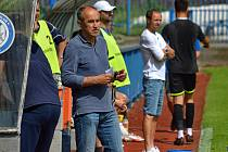 SOUBOJ. Kouč Václav Kotal vedl tým Náchoda proti Chlumci, týmu, který trénuje jeho letitý asistent Michal Šmarda.