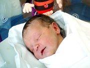 Klárka Koutníková se narodila 25. března ve 14.07 hodin. Měřila 51 centimetr a vážila 3650 gramů. S rodiči Alenou a Petrem Koutníkovými bydlí v Holohlavech.