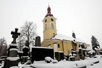 Hřbitov u kostela na Pouchově