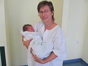 TOMÁŠEK TERCHOVAN se narodil 11. září v 7.20 hodin. Měřil 49 cm a vážil  3050 g. Radost udělal rodičům Jitce a Miroslavovi Terchovanovým z Malšovy Lhoty. Doma se těší sestřička Terezka.