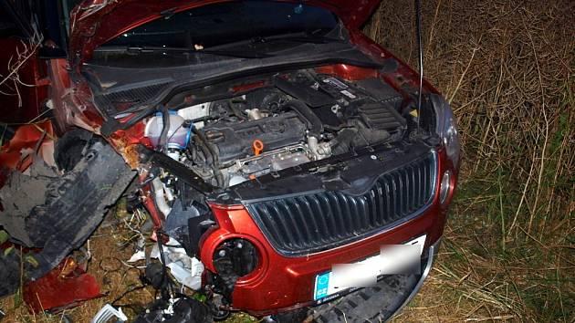 Havárie vozu Škoda Roomster v Novém Bydžově.