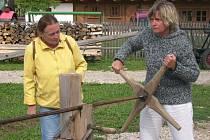 Den dřeva v krňovickém skanzenu