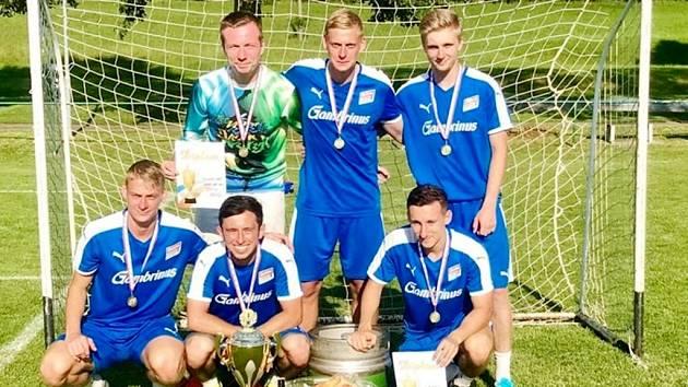 Šampioni Dream Cupu - Odchovanci hradeckého fotbalu slavili zasloužený triumf v 8. ročníku tradičního turnaje.