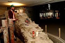 Nedaleko recepce nového krajského úřadu budou moct návštěvníci obdivovat část hradby ze 16. století.