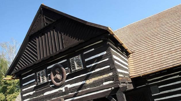 Opravy rodného domu národního buditele Václava Hanky v Hoříněvsi prochází rekonstrukcí.