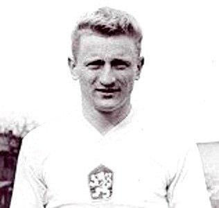 """Navždy odešel Zdeněk Pičman, fotbalová legenda hradeckých """"votroků""""."""