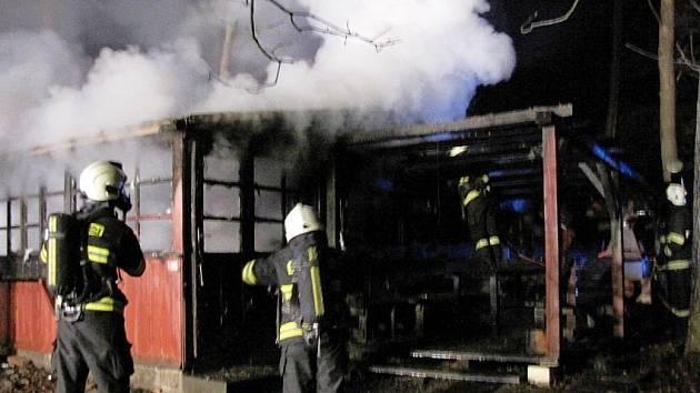 Půlmilionu korun: Výsledek čtvrtečního požáru ve Svinarech