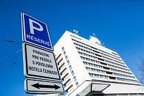 Hotel Černigov v Hradci Králové půjde k zemi.