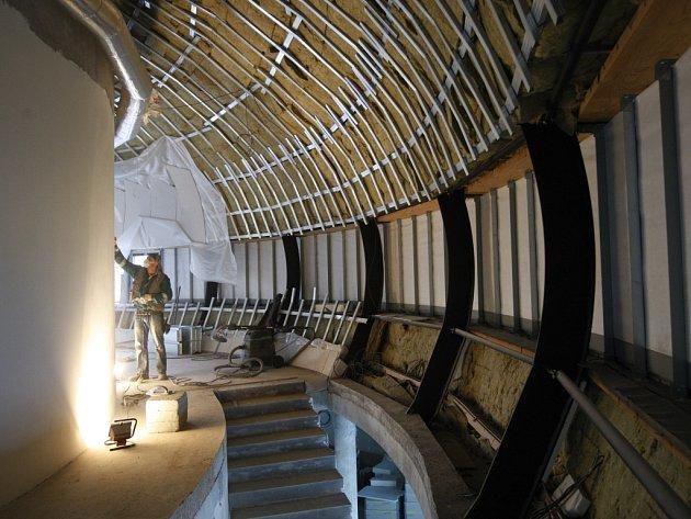 Stavba nového digitálního planetária vedle hvězdárny v Hradci Králové.