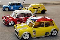 O královéhradecký pohár v sobotu bojovali majitelé RC aut (rádiem řízené modely automobilů).