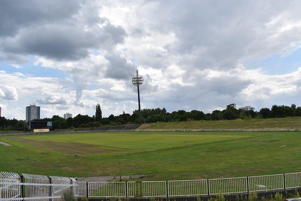 Starý fotbalový stadion v Malšovicích už brzy čeká demolice.